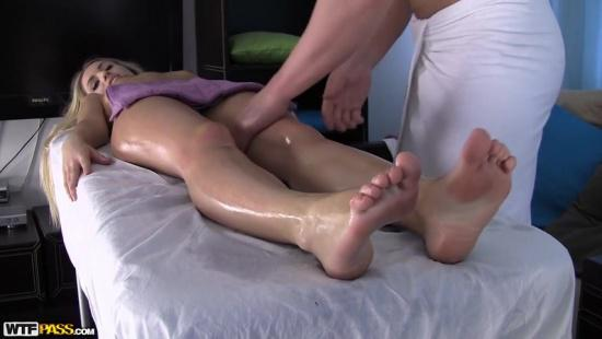Блондинка пришла на массаж