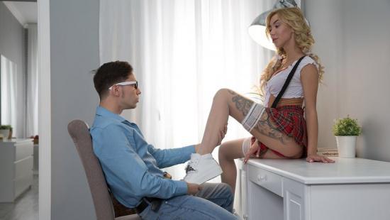 Русский секс школьников в хате предков