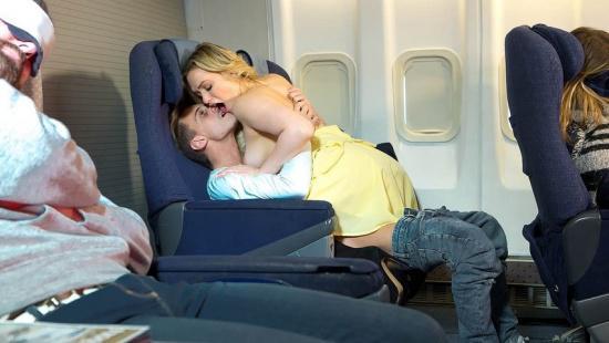 Случайный секс в самолёте