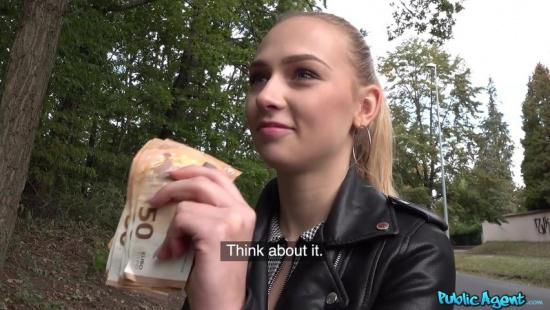 Красивая студентка согласилась на секс с пикапером